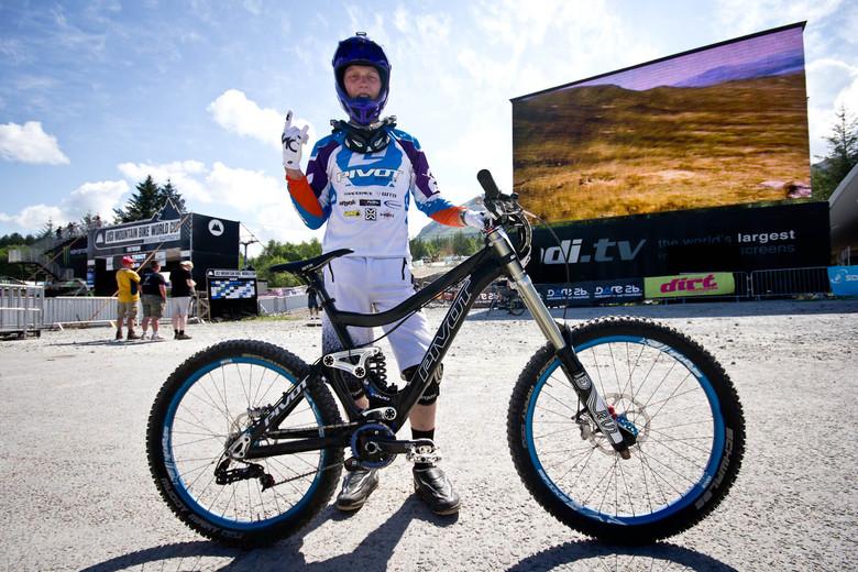 Bernard Kerr's Pivot Phoenix - 24 Pro DH BIkes from Fort William World Cup - Mountain Biking Pictures - Vital MTB