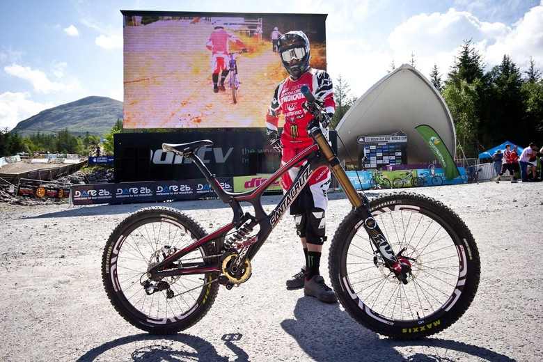 Steve Peat's Santa Cruz V10c - 24 Pro DH BIkes from Fort William World Cup - Mountain Biking Pictures - Vital MTB