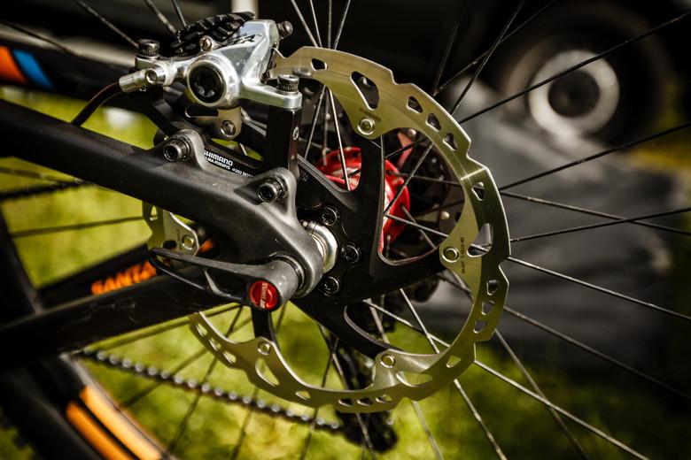 200mm Rear Rotor for Greg Minnaar at Val d'Allos Enduro World Series - Pit Bits: Enduro World Series Val d'Allos, France - Mountain Biking Pictures - Vital MTB