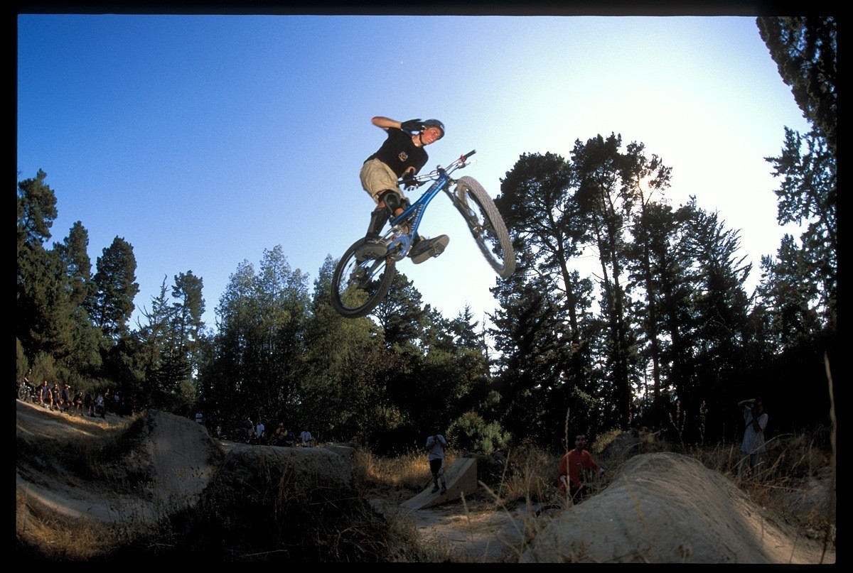 Cam McCaul, Barspin 2003 - Cam McCaul, Pro Rider Photo Gallery - Mountain Biking Pictures - Vital MTB