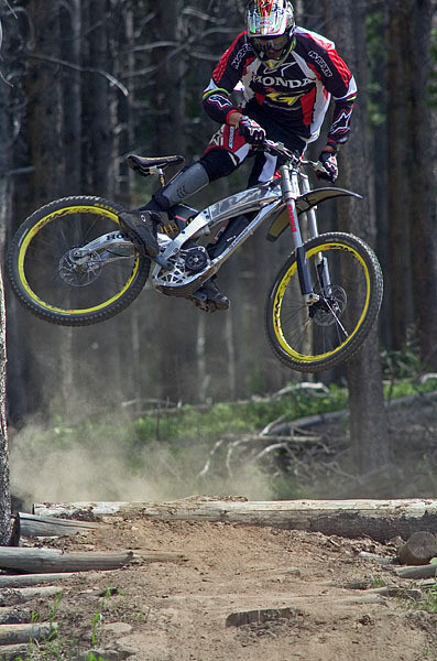 Pro Rider Photo Gallery, Greg Minnaar, 2001-2005 - Greg Minnaar, Pro Rider Photo Gallery - Mountain Biking Pictures - Vital MTB
