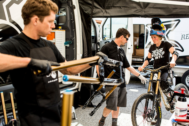 Jill Kintner Preps her Bike for Andorra - PIT BITS: 2013 Andorra World Cup - Mountain Biking Pictures - Vital MTB