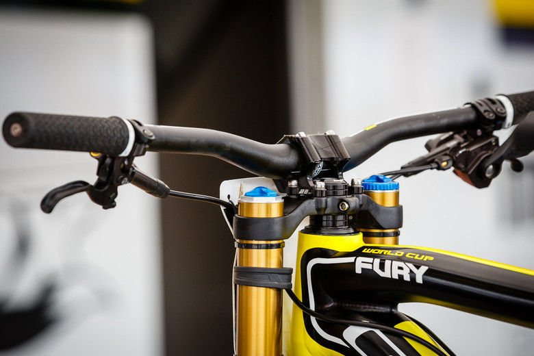 Rachel Atherton's 28mm Stem - PIT BITS: 2013 Andorra World Cup - Mountain Biking Pictures - Vital MTB