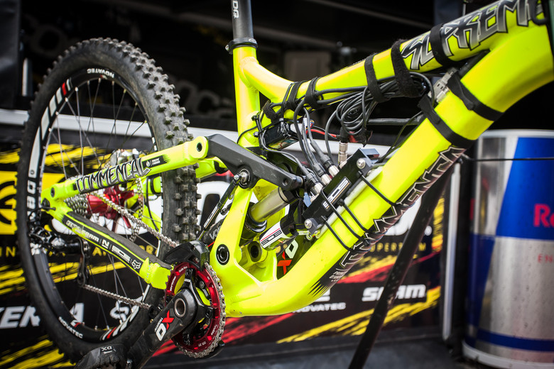 Remi Thirion's Commencal with BOS Suspension Data Acquisition System - Winning Bike: Remi Thirion's Commencal Supreme DH - Mountain Biking Pictures - Vital MTB