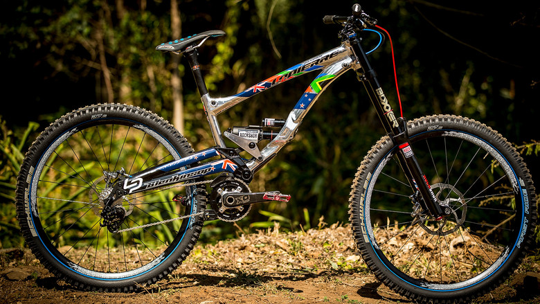 Sam Blenkinsop's 27.5 Lapierre DH Bike for World Champs - World Championships Bikes and Gear 2013 - Mountain Biking Pictures - Vital MTB