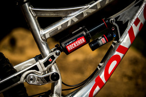 WORLD CHAMPS BIKE: Steve Smith's Custom Devinci