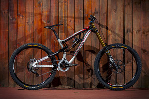 WORLD CHAMPS BIKE: Manon Carpenter's 2014 Saracen Myst