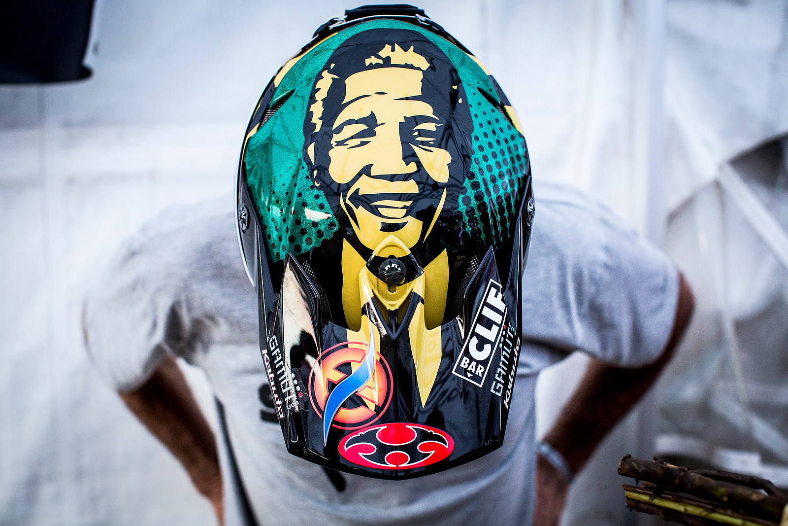 Greg Minnaar's World Championship Helmet - WINNING BIKE: Greg Minnaar's World Champs Santa Cruz V10c - Mountain Biking Pictures - Vital MTB
