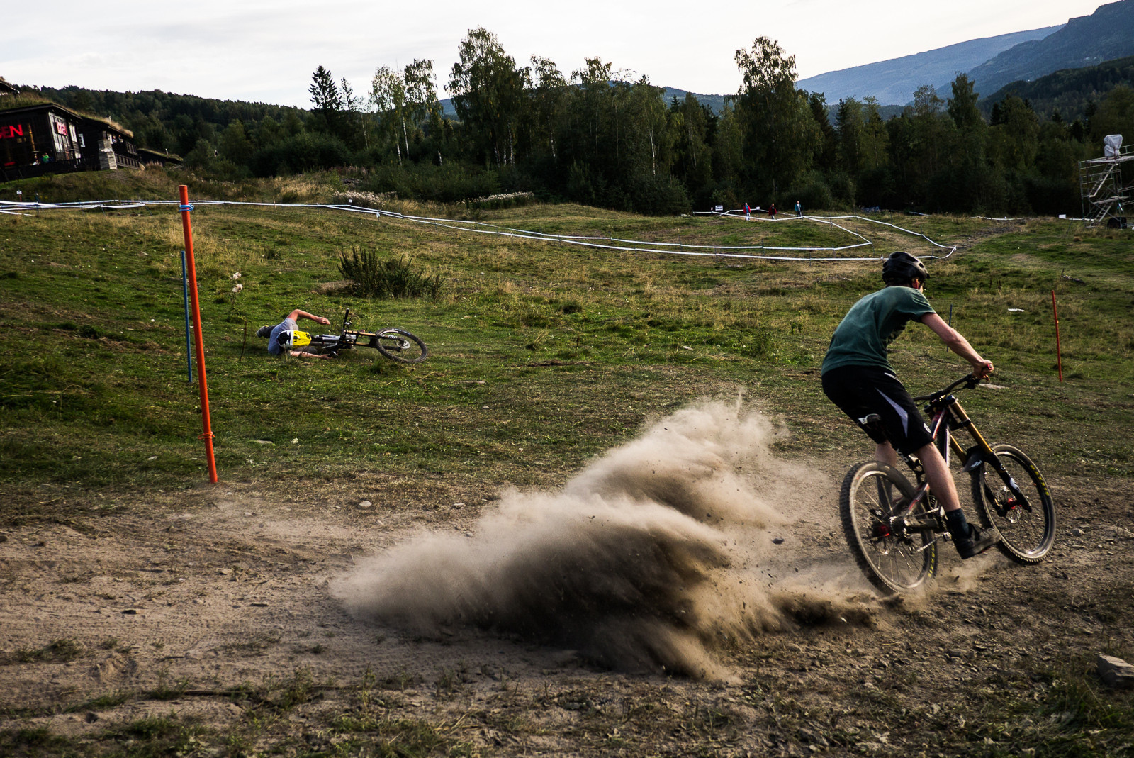 Philpott taking down Gee Milner at Industry World Champs - Has-Beens vs. Wannabes! Industry World Champs Race at Hafjell - Mountain Biking Pictures - Vital MTB