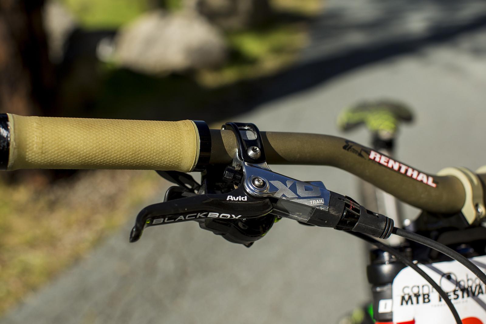 Pro Bike Check Troy Brosnan S Specialized Demo 8 Pro Bike Check
