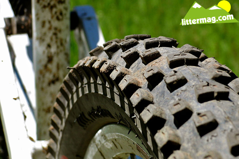 Intense DH Tires, 4-ply - PROVEN: MSC F5 Downhill Bike ...