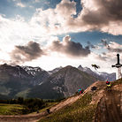 C138_nineknights_mtb_2014_day_3_action_yannick_granieri_david_malacrida_lr_4