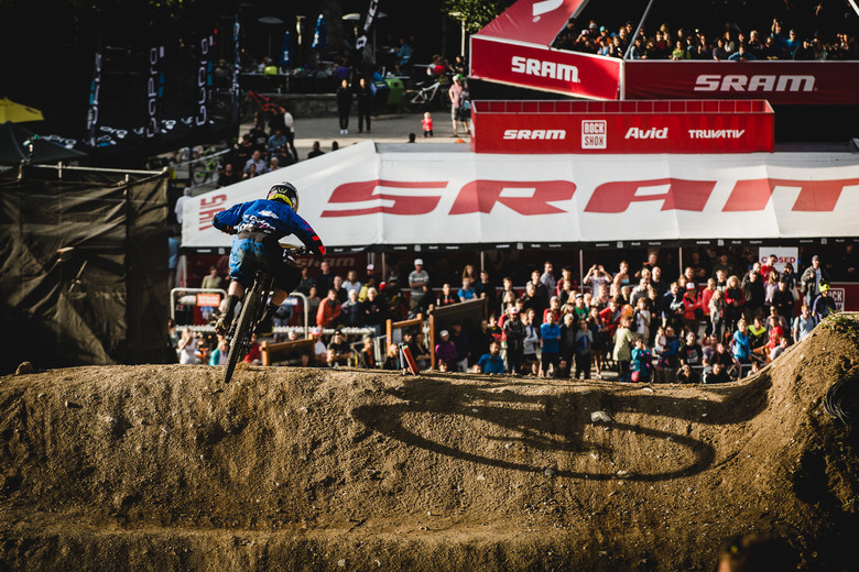 Crankworx Giant Dual Slalom Action Gallery - Crankworx Giant Dual Slalom Action - Mountain Biking Pictures - Vital MTB