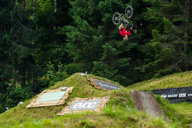 Nyquist Backflips His Mountain Bike At 26trix Pit Bits Leogang