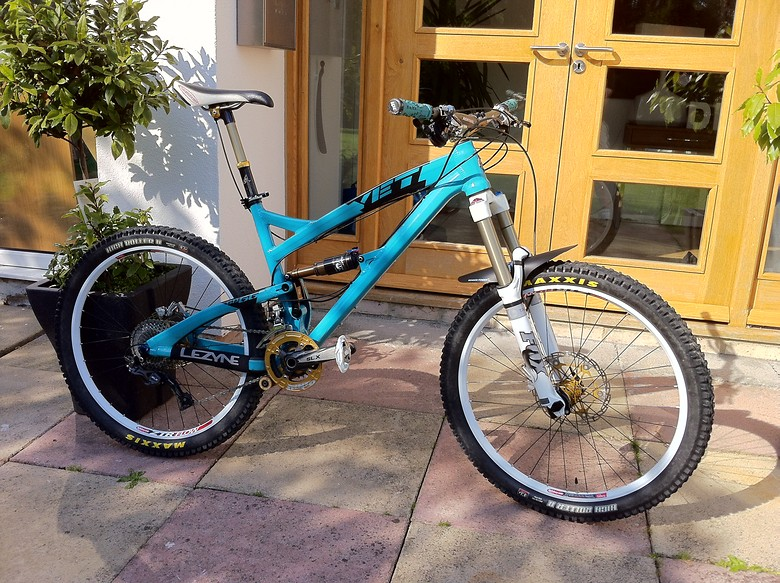 Dream bike built up whilst laid up with smashed tibia & fibula sustained at Hamsterley Forest (North East England, UK)