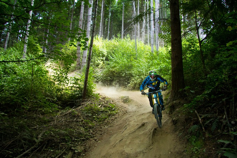 Single Track Sandwich - Banditdh - Mountain Biking Pictures - Vital MTB