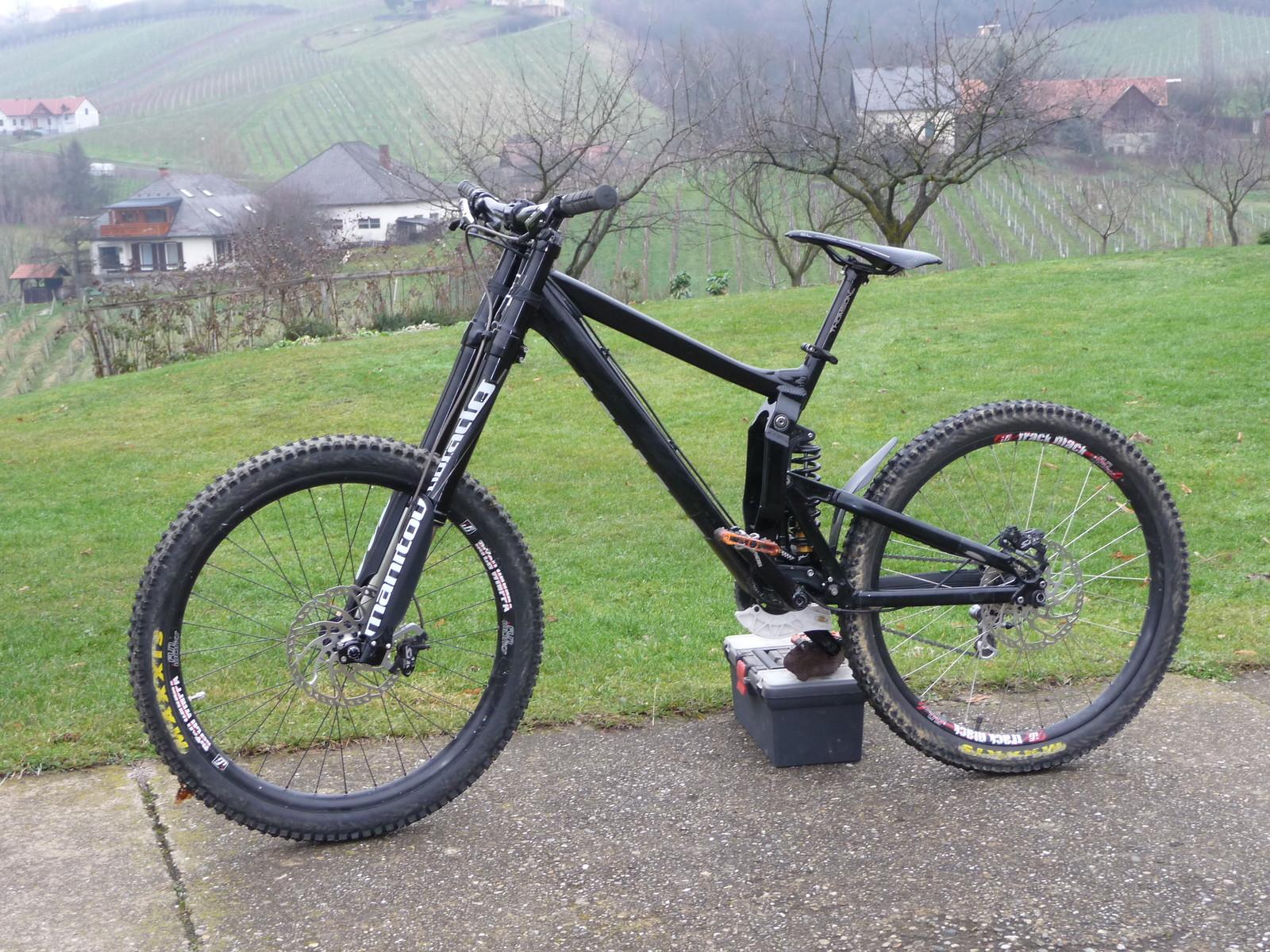 Propain Rage CF 2018 custom - karpmetes Bike Check