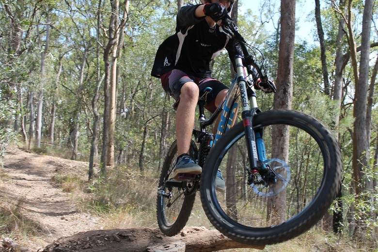 Beginning of a whip - Aja1d0ss - Mountain Biking Pictures - Vital MTB