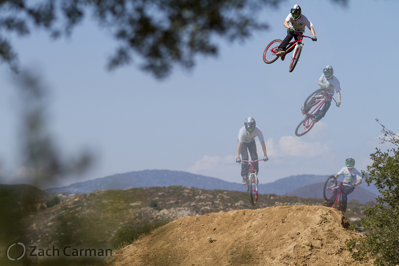 James Visser warming up - Captures by Carman - Mountain Biking Pictures - Vital MTB