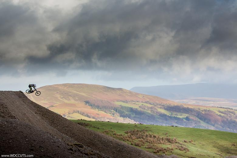 Sending the spine,Dan Tay  - Wayne DC - Mountain Biking Pictures - Vital MTB