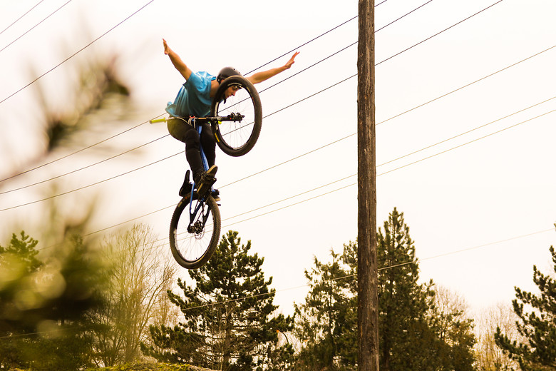 Liam Wallace: Tuck no-hander - KazYamamura - Mountain Biking Pictures - Vital MTB