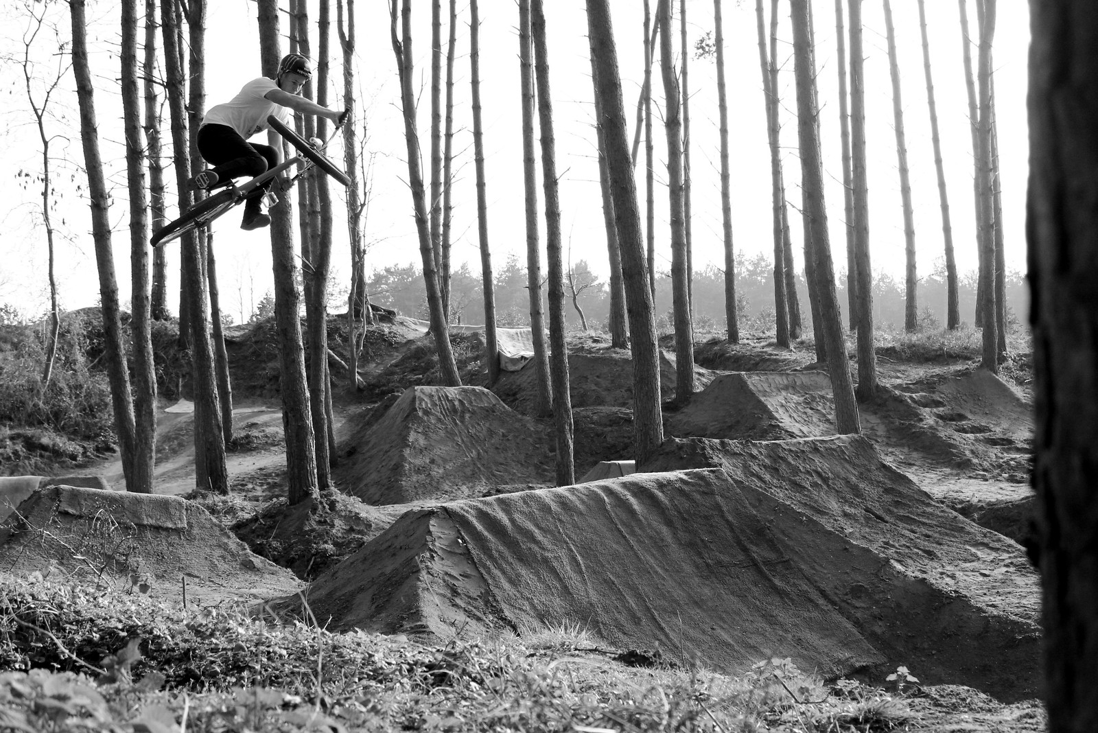 Sam Pilgrim at Gate 23 - mhopper - Mountain Biking Pictures - Vital MTB