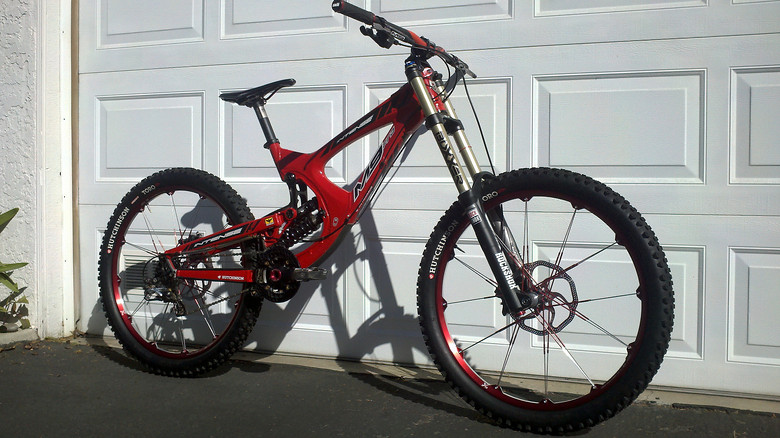 UPDATED: 2013 Rock Shox Boxxer World Cup Hutchinson Toro DH tires -Team Hutchinson United Ride favorite Crank Brothers Opium Wheels