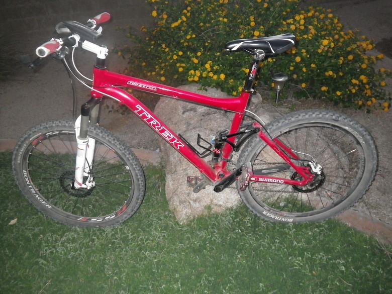 Trek Top Fuel all aluminum, Not sure what year- 25lbs Great bike