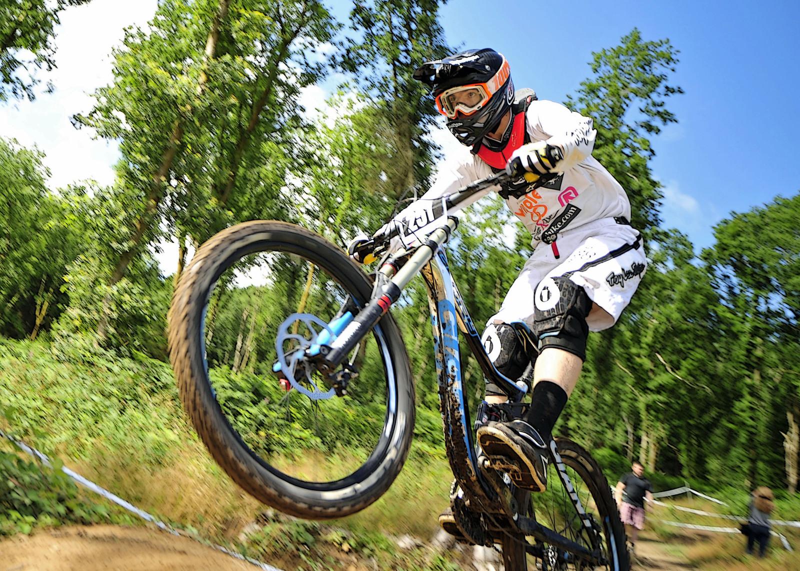 Finn Tennant - photo-bike.com - Mountain Biking Pictures - Vital MTB