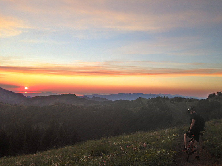 Sunset - hamstring - Mountain Biking Pictures - Vital MTB