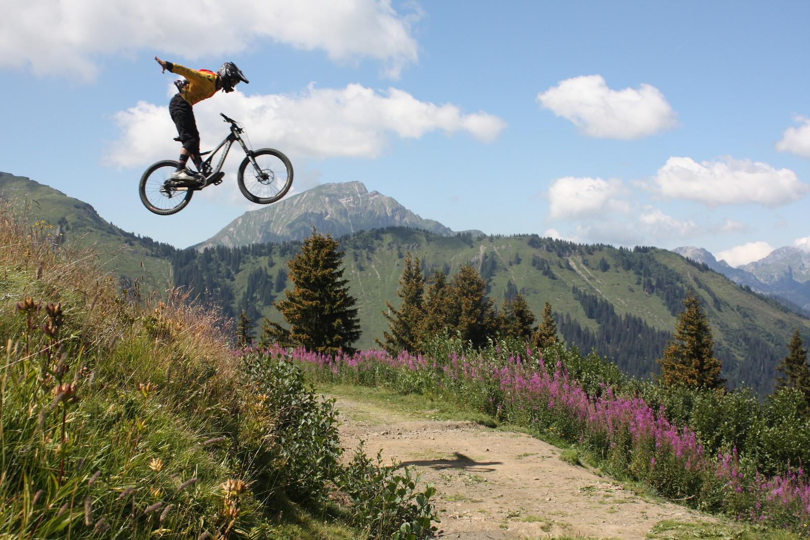 Suicide morgins - jeremie aziz - Mountain Biking Pictures - Vital MTB