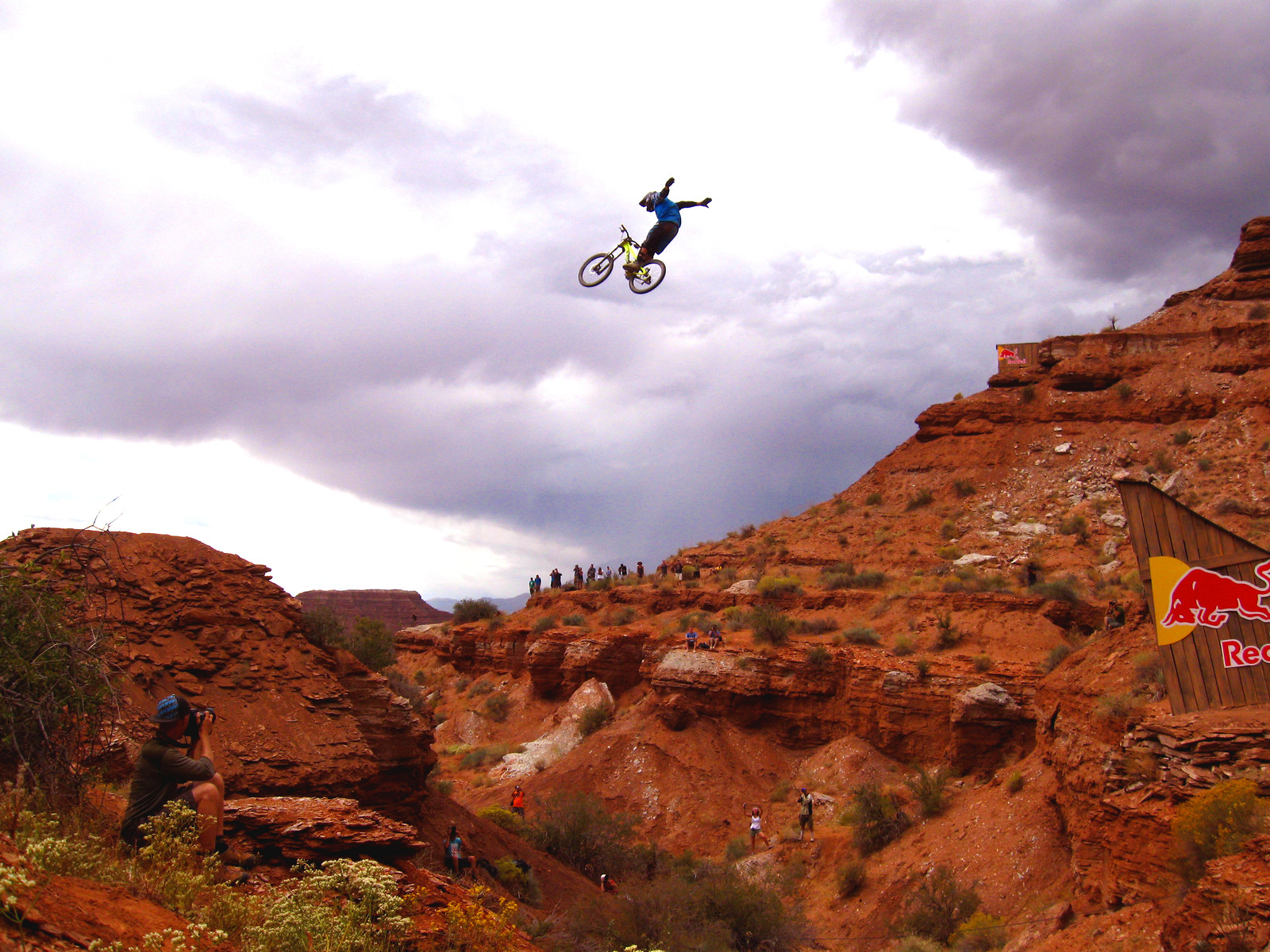 Thomas Vanderham Suicide No-Hander - Bike Doc - Mountain Biking Pictures - Vital MTB