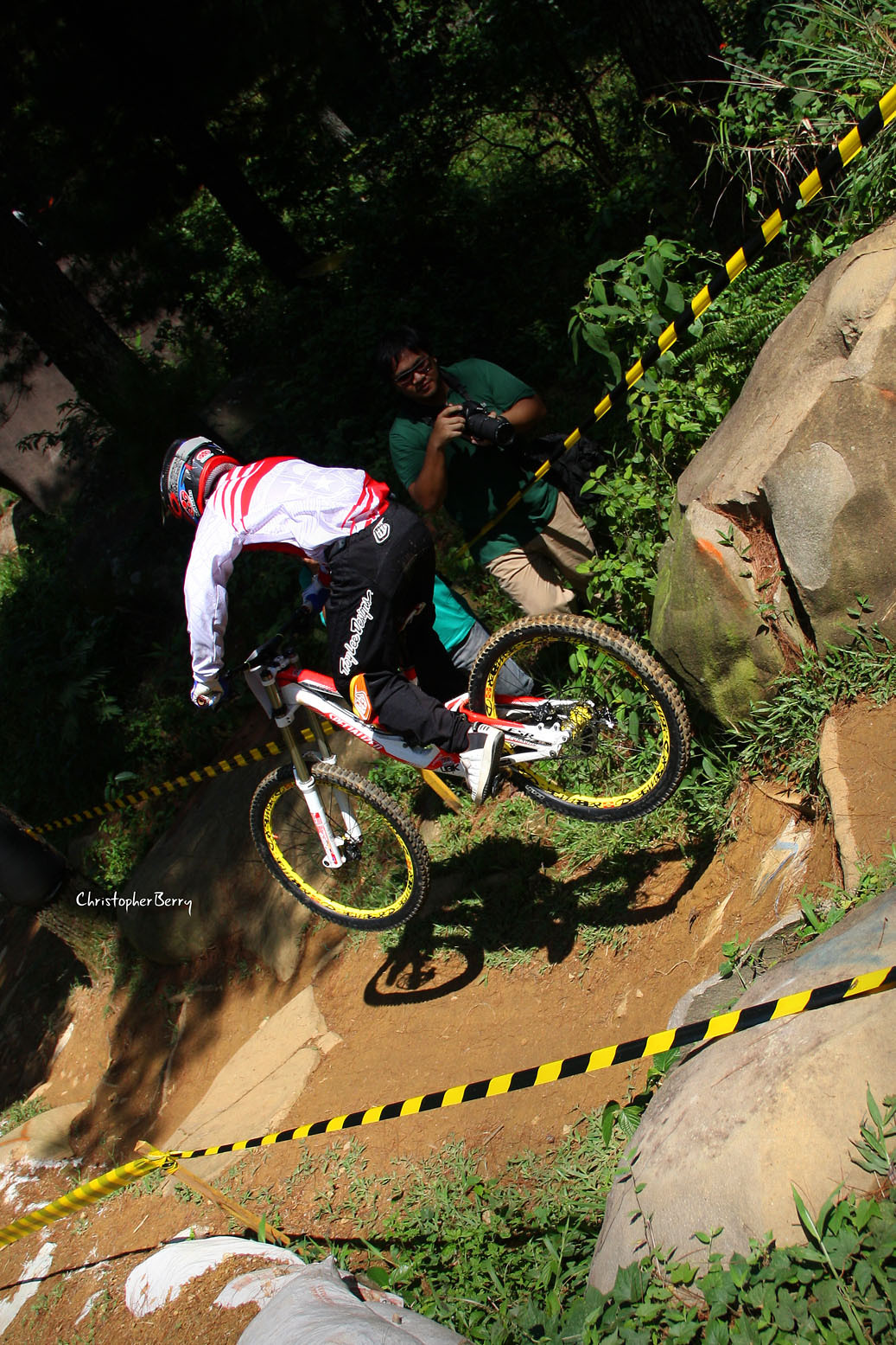 racing for gold - ombei - Mountain Biking Pictures - Vital MTB