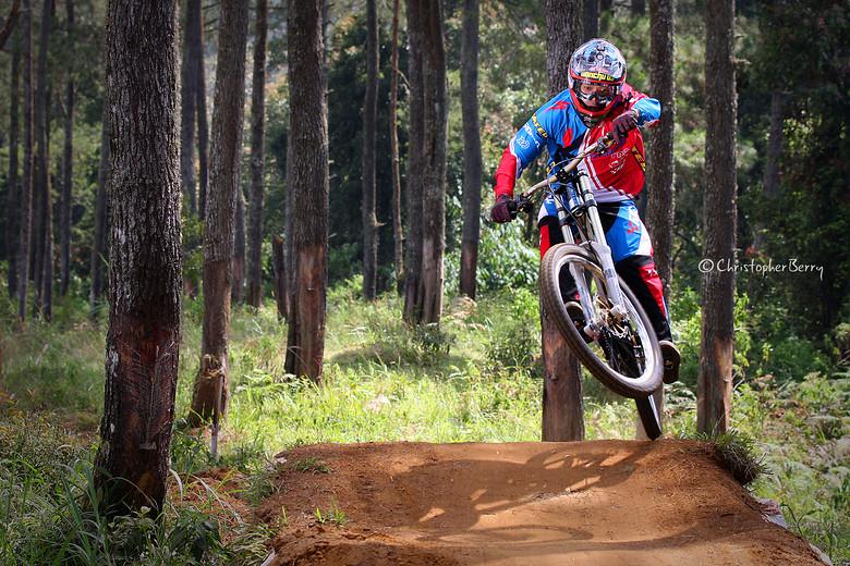 ShimanoUKDIseri02 - 0224 -mod - ombei - Mountain Biking Pictures - Vital MTB