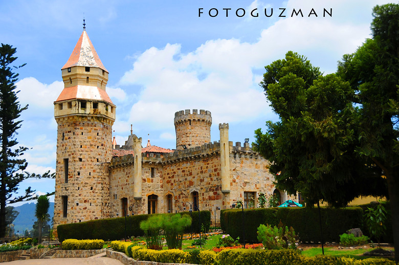 Marroquin Castle, Chia, Colombia - fotoguzman - Mountain Biking Pictures - Vital MTB