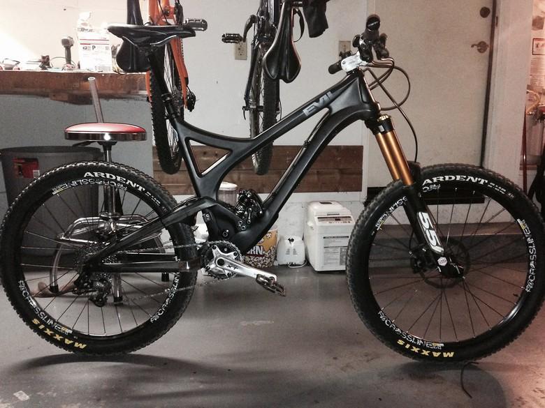 Evil Uprising - blackohio's Bike Check - Vital MTB