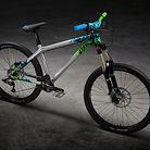 C138_ns_clash_bikes_01