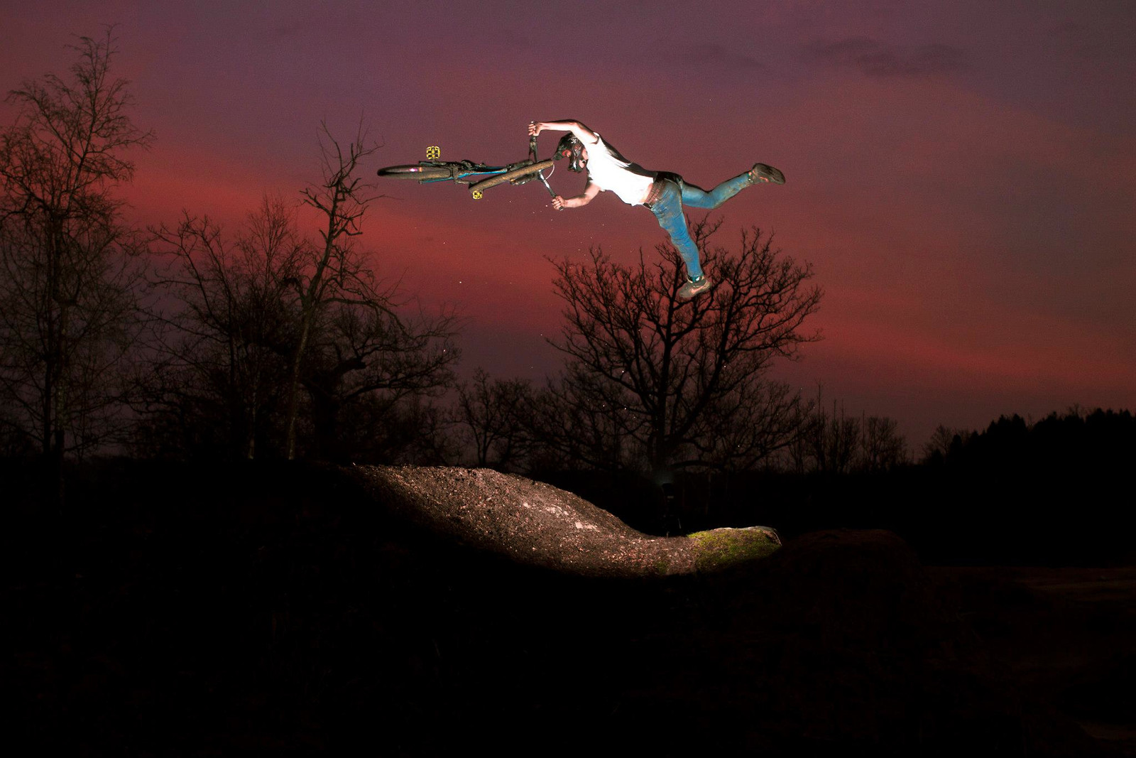 Sunset Superwhip!  - jamieledson - Mountain Biking Pictures - Vital MTB