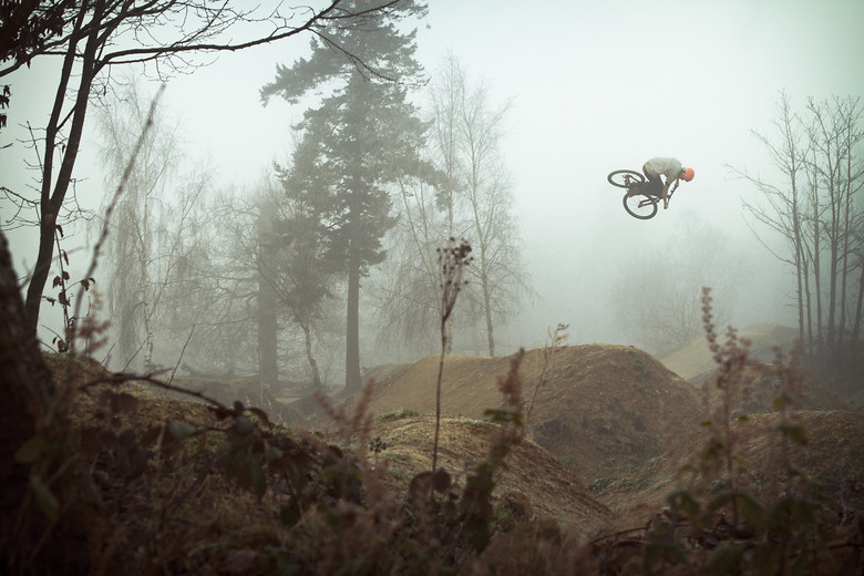 Matt Jones twists through the fog - jamieledson - Mountain Biking Pictures - Vital MTB