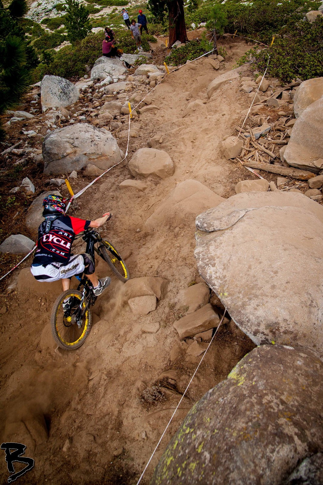 Vance Descends The Rocks - GnarHuck - Mountain Biking Pictures - Vital MTB