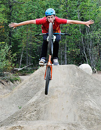 S200x600_biking