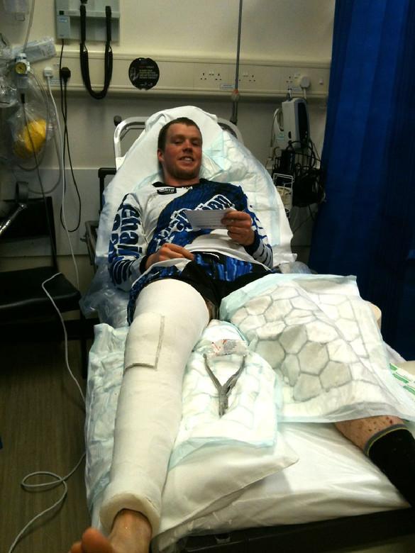 Matt Simmonds in hospital - MTBCUT.tv - Mountain Biking Pictures - Vital MTB