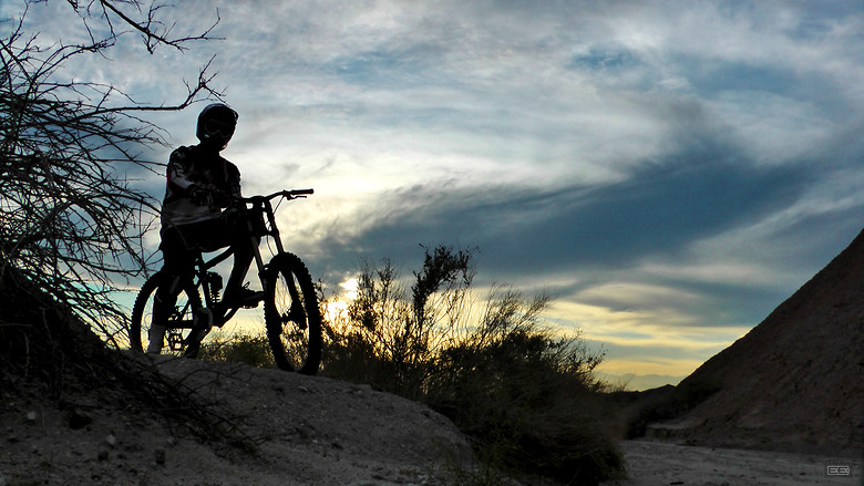 The End To A Fine Day Of Filming! - EdwardsEntertainment - Mountain Biking Pictures - Vital MTB