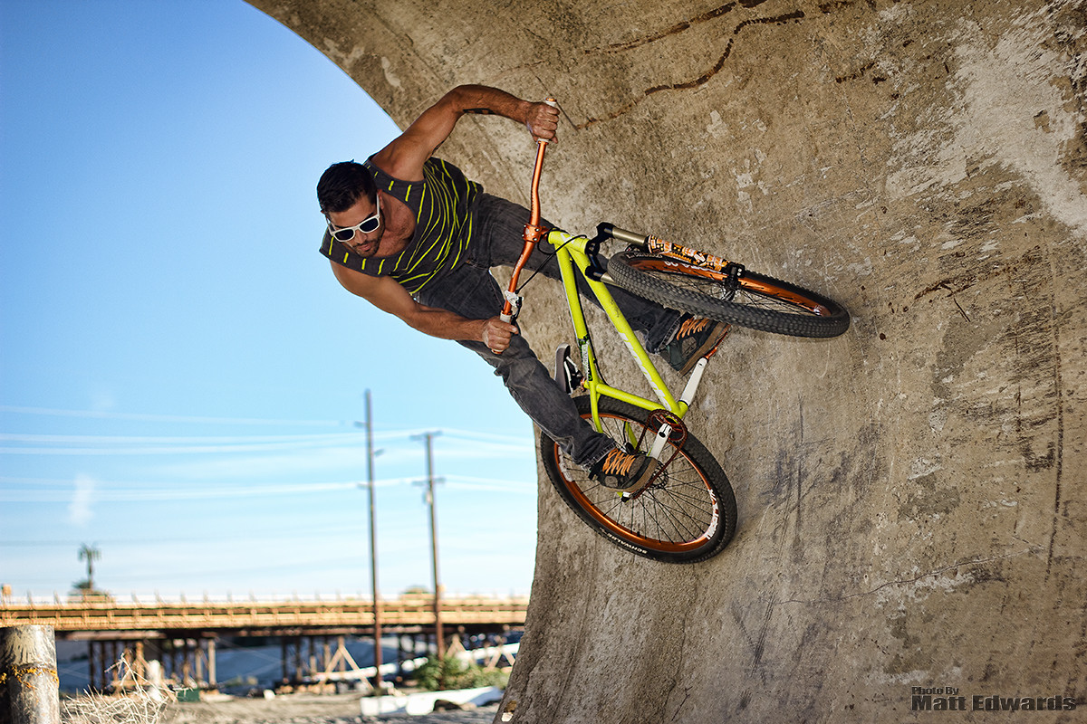 Alvino in the pipe - EdwardsEntertainment - Mountain Biking Pictures - Vital MTB
