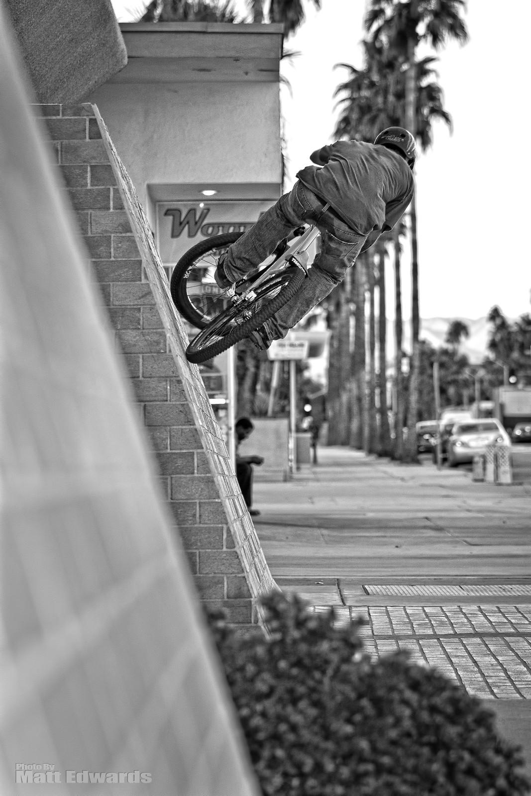 Black & White Wall Ride - EdwardsEntertainment - Mountain Biking Pictures - Vital MTB