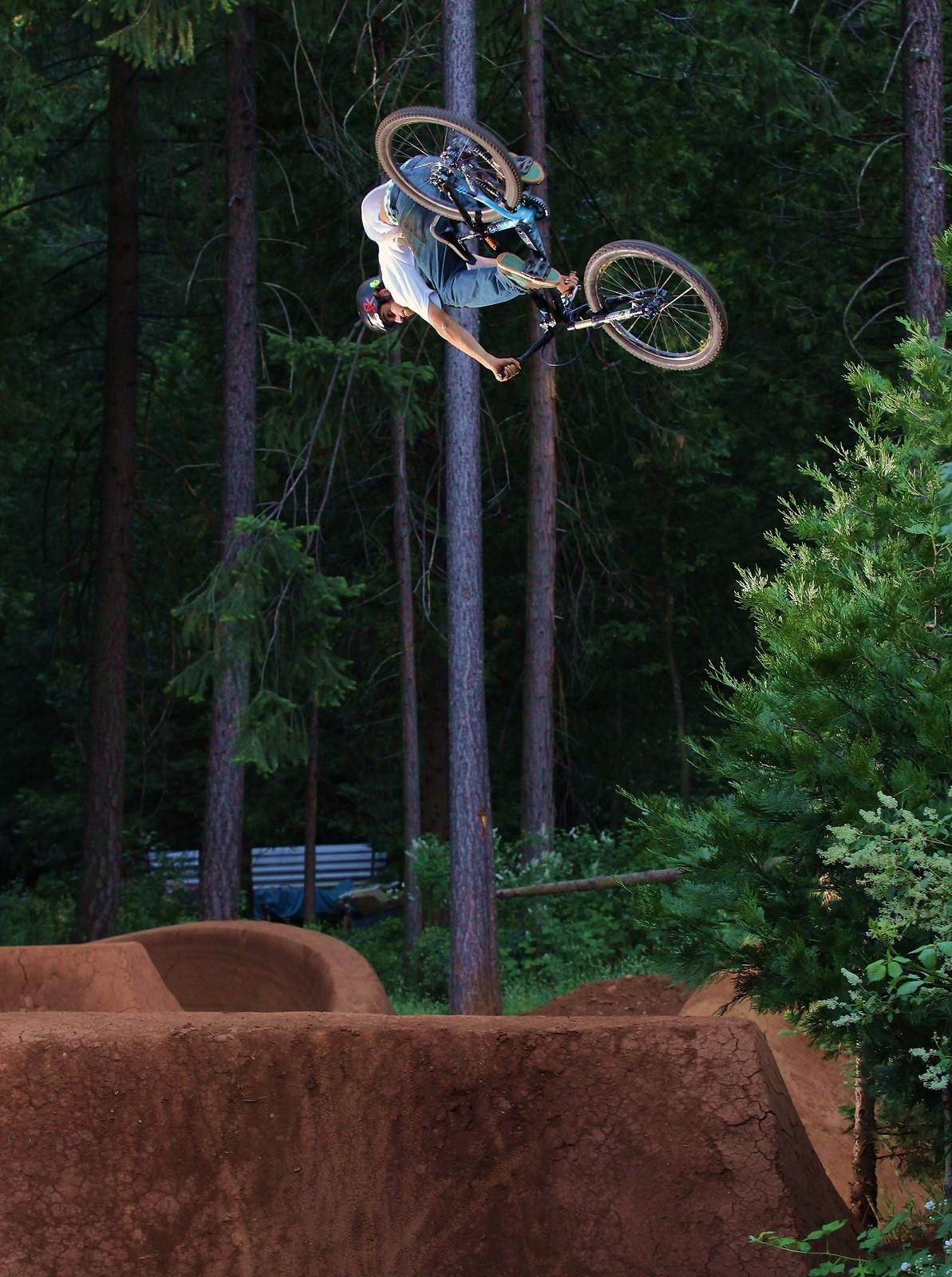 029 - ZD - Mountain Biking Pictures - Vital MTB