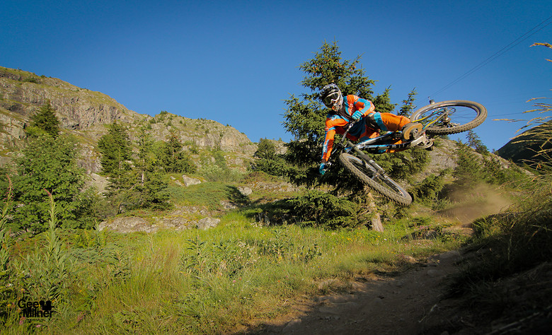 Ben Reid ripping it up  - Geemilnermedia - Mountain Biking Pictures - Vital MTB