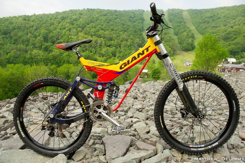 Giant DH Team Circa 2000 - ESC Pro GRT Plattekill Bike Check - Mountain Biking Pictures - Vital MTB