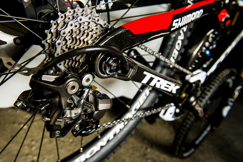 Full Shimano Saint Drivetrain on Brook MacDonald's Trek Session 9.9 - mdelorme - Mountain Biking Pictures - Vital MTB
