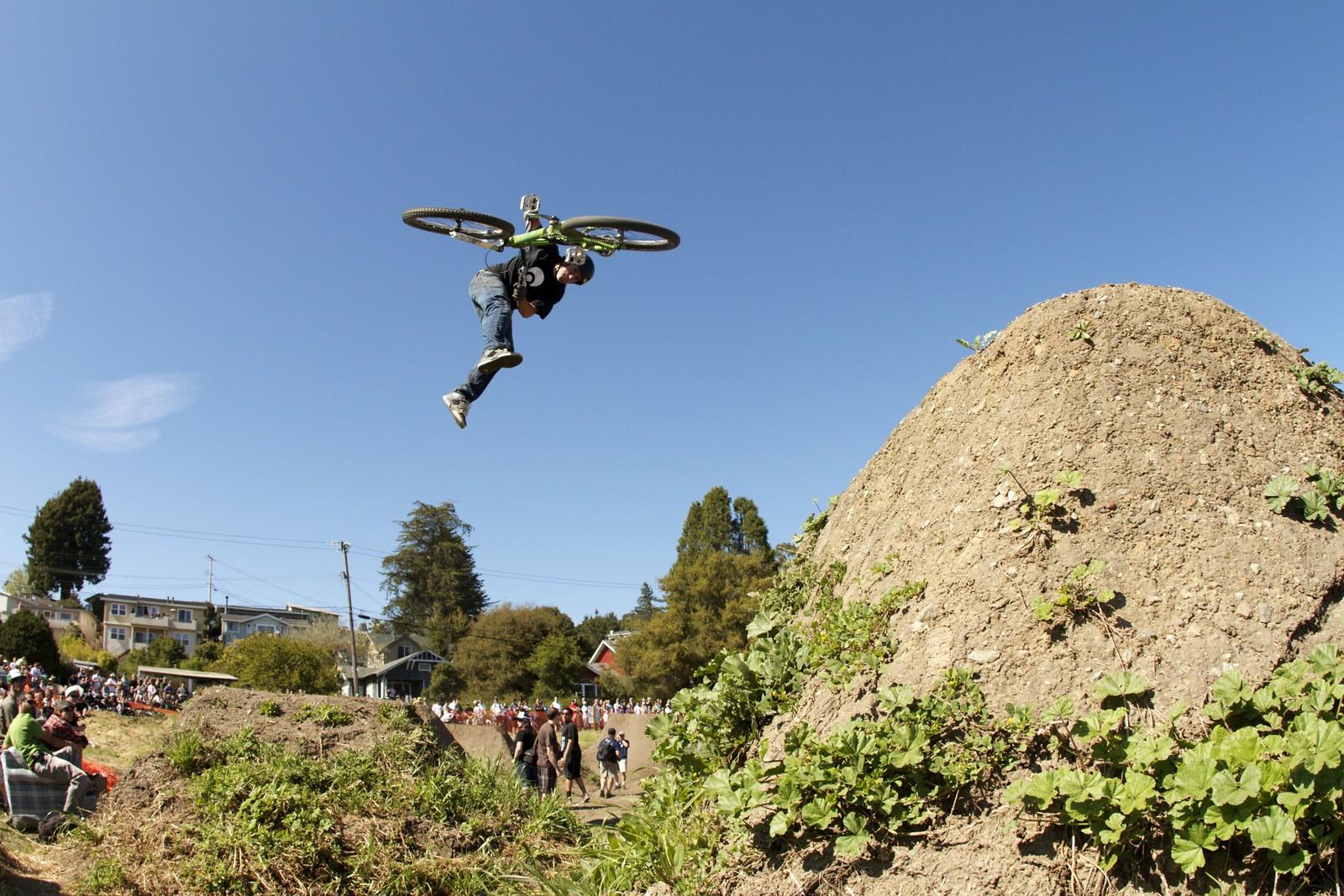 Ryan Howard Downside Whip Post Office - corytepper.com - Mountain Biking Pictures - Vital MTB